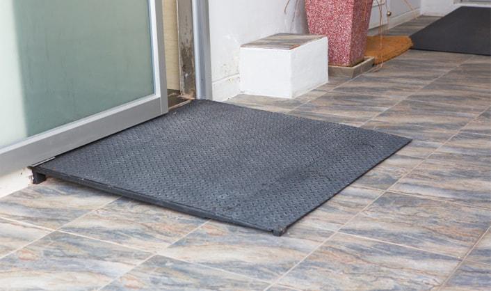 Prüfung Estrich Fußbodenheizung